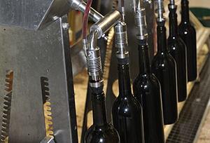 葡萄酒装瓶